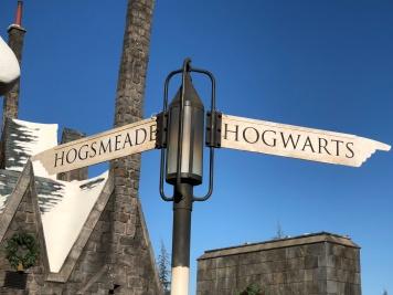hogworts sign